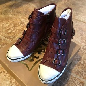 NWB ASH AS Genial Lather Snickers Bordeaux 39
